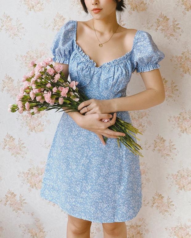 Váy hoa nhí màu xanh dương