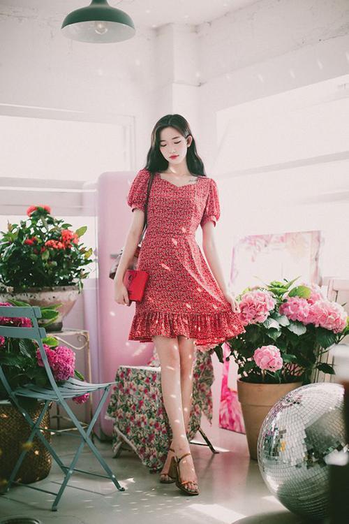 Váy hoa nhí cổ điển