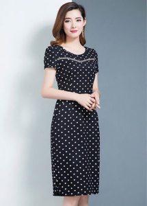Đầm chấm bi màu đen đơn giản