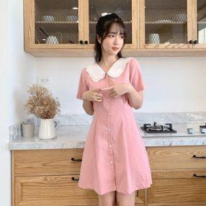 Đầm hồng cổ sen màu trắng