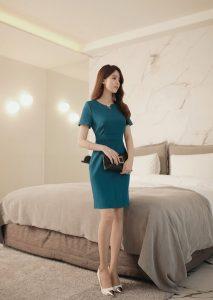 Đầm công sở màu xanh rêu