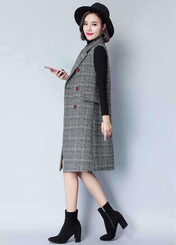 Váy liền thân kết hợp áo khoác blazer đen