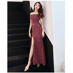 Đầm kim sa đỏ đô xẻ tà trễ vai sang trọng