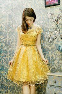 đầm xòe kim sa màu vàng