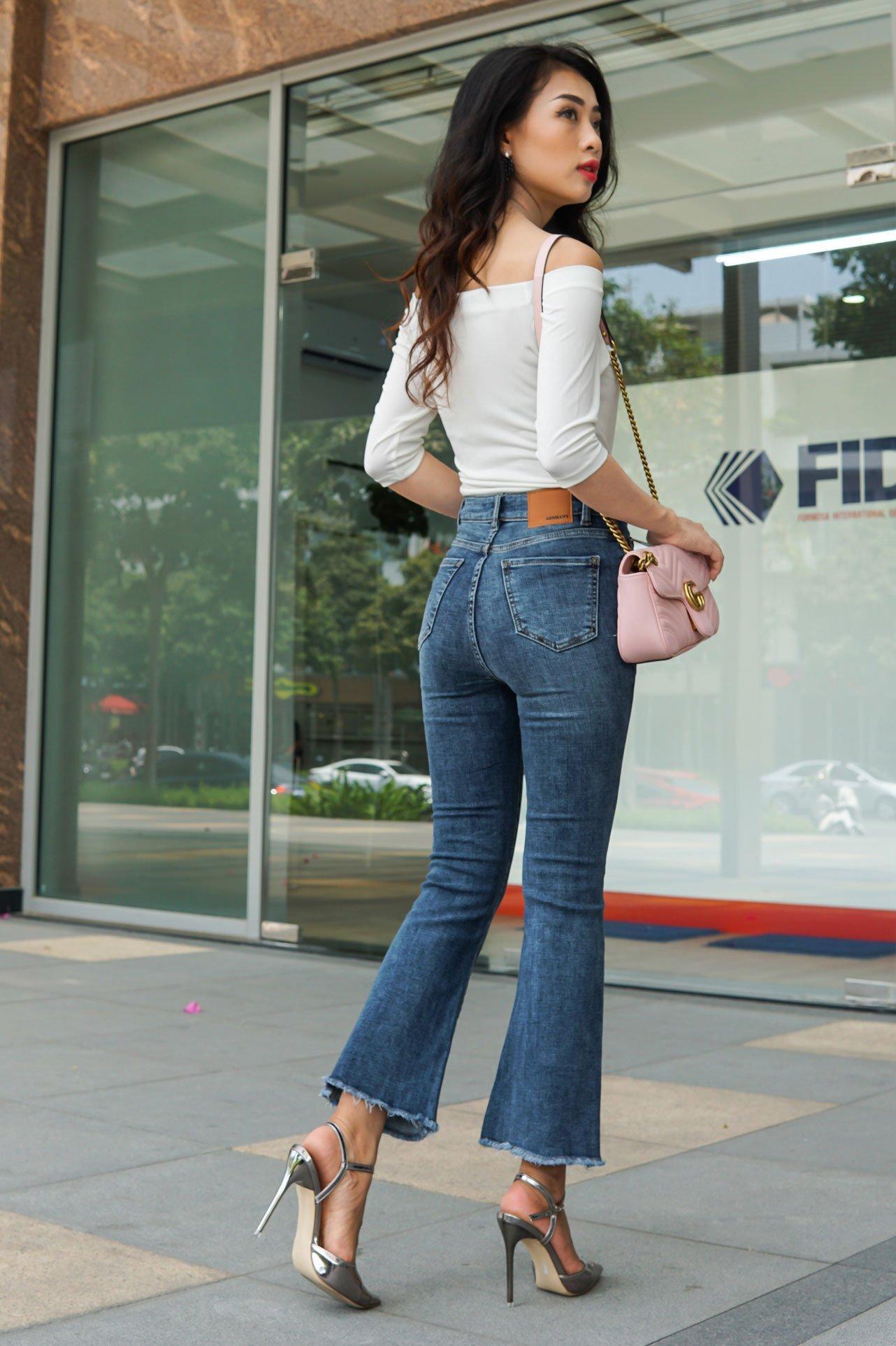 Quần jean ôm ống loe rộng