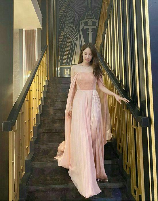 """Hút mắt với gu thời trang của """"Chị đẹp"""" Lee Ji Ah trong phim Penthouse"""
